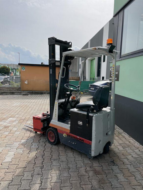 Carrello elevatore elettrico compatto OM 8Q Degrocar Vicenza Verona Padova Venezia Rovigo usato